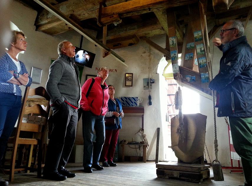Molengidsen vertellen het verhaal over de molen.