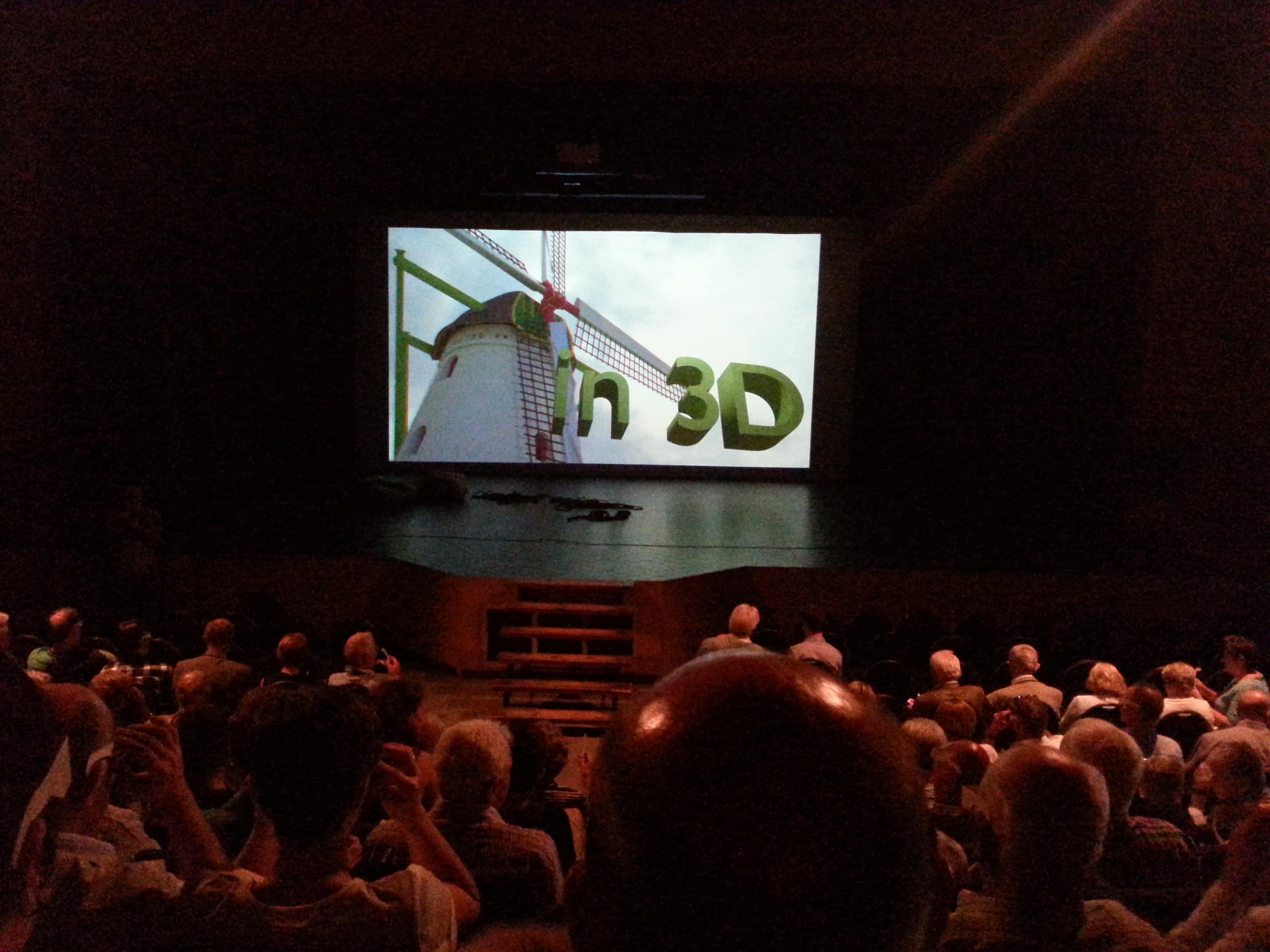 Ook indrukwekkende 3-D foto's van de film en prachtige computer-presentaties.
