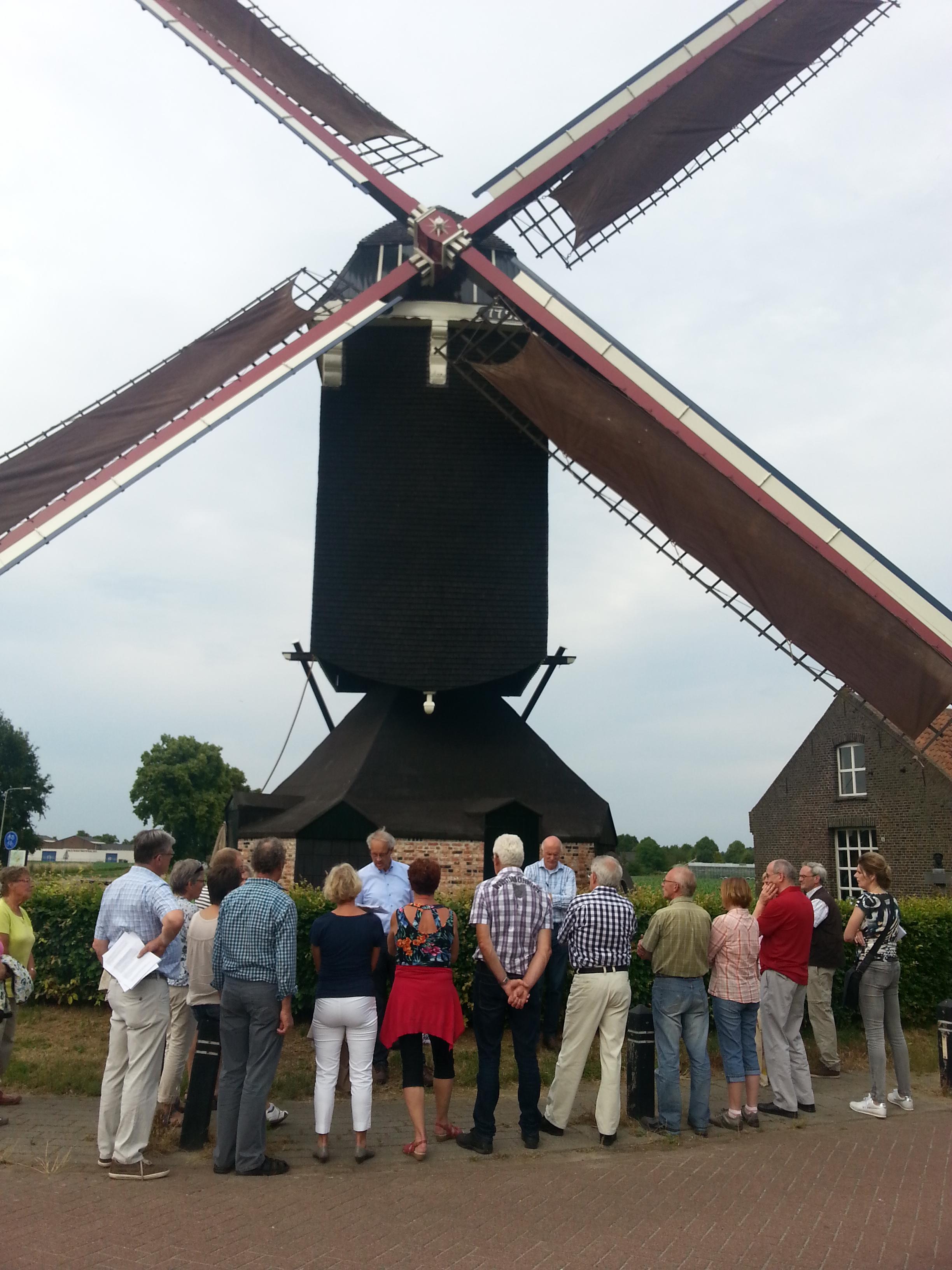 Historische dorpswandeling Stramproy stopt ook bij Sint Jansmolen