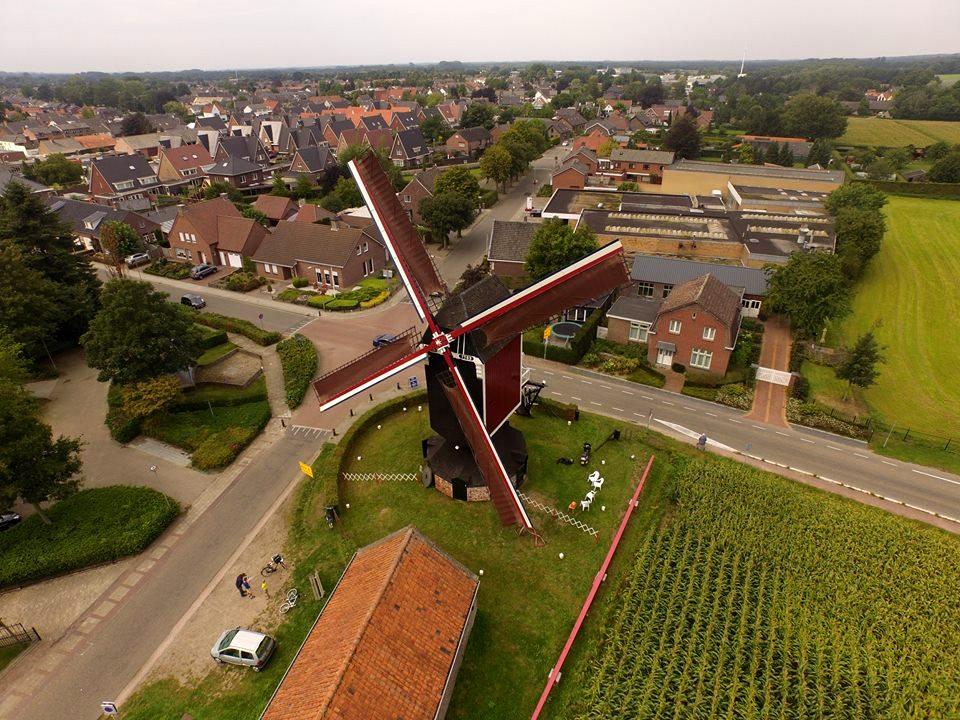 Sint Jan Stramproy vanuit een drone. Inzender Nigel Otermans Stramproy