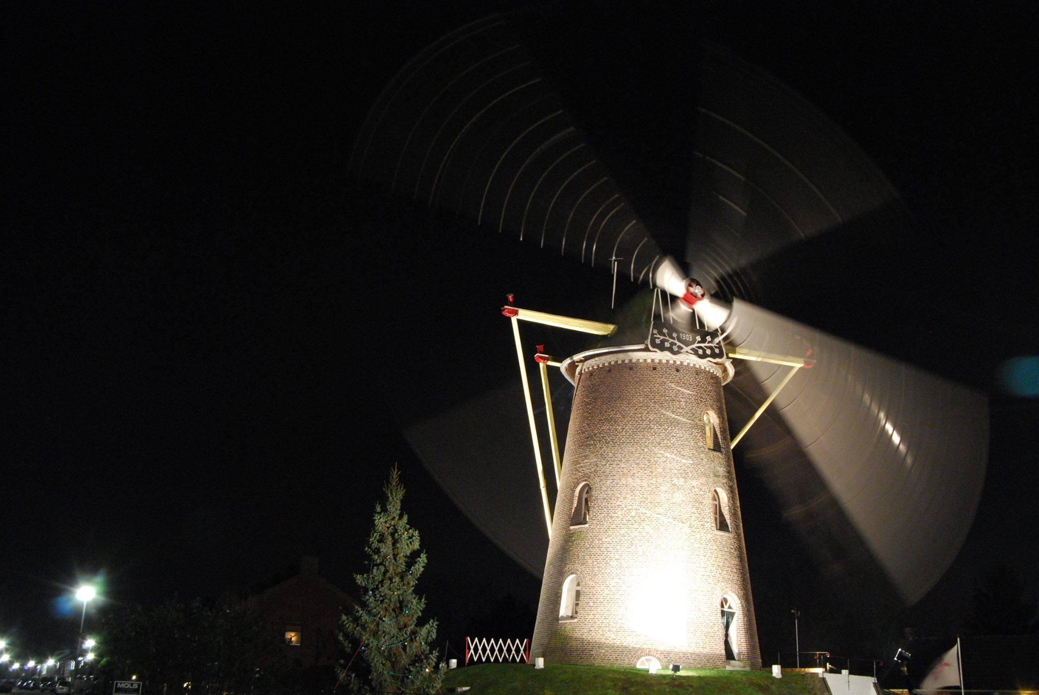 Molen De Nijverheid: 17 december avonddraaien. Foto: Bas Steijvers