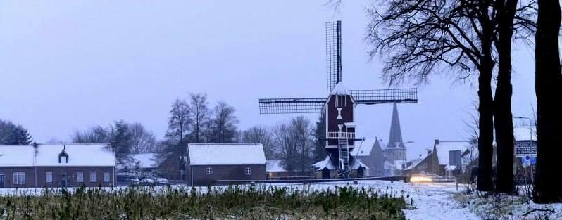 Foto 24-01-2015 Sint Jan Stramproy op een in een winterse morgen. Inzender: onbekend