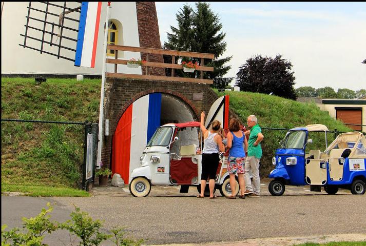 Bezoek aan een molen hoort bij een vakantie in het Weerterland