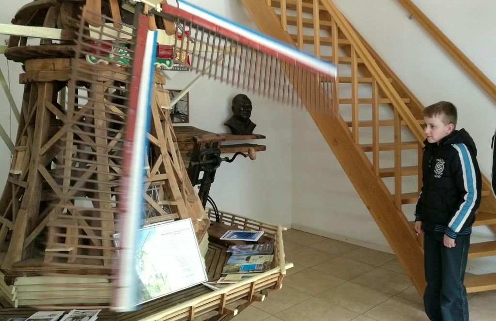 Schaalmodel van molen De Hoop uit Swartbroek